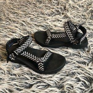 Jsport by Jambu black and white Velcro sandals